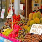 Ovocie na trhu pri Tanah Lot