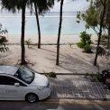 Pláž pred hotelom