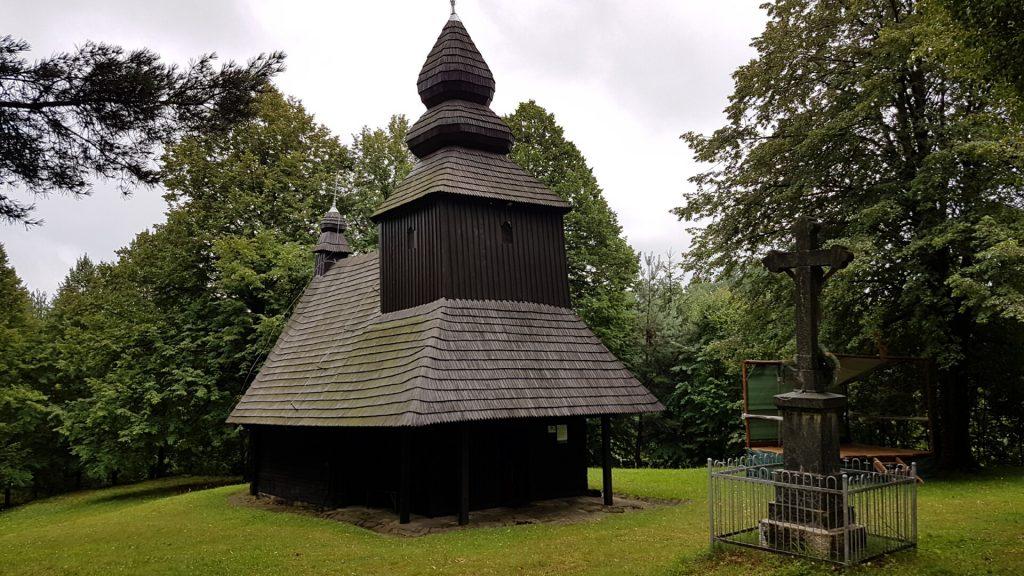 Drevený kostolík v Ruskej Bystrej