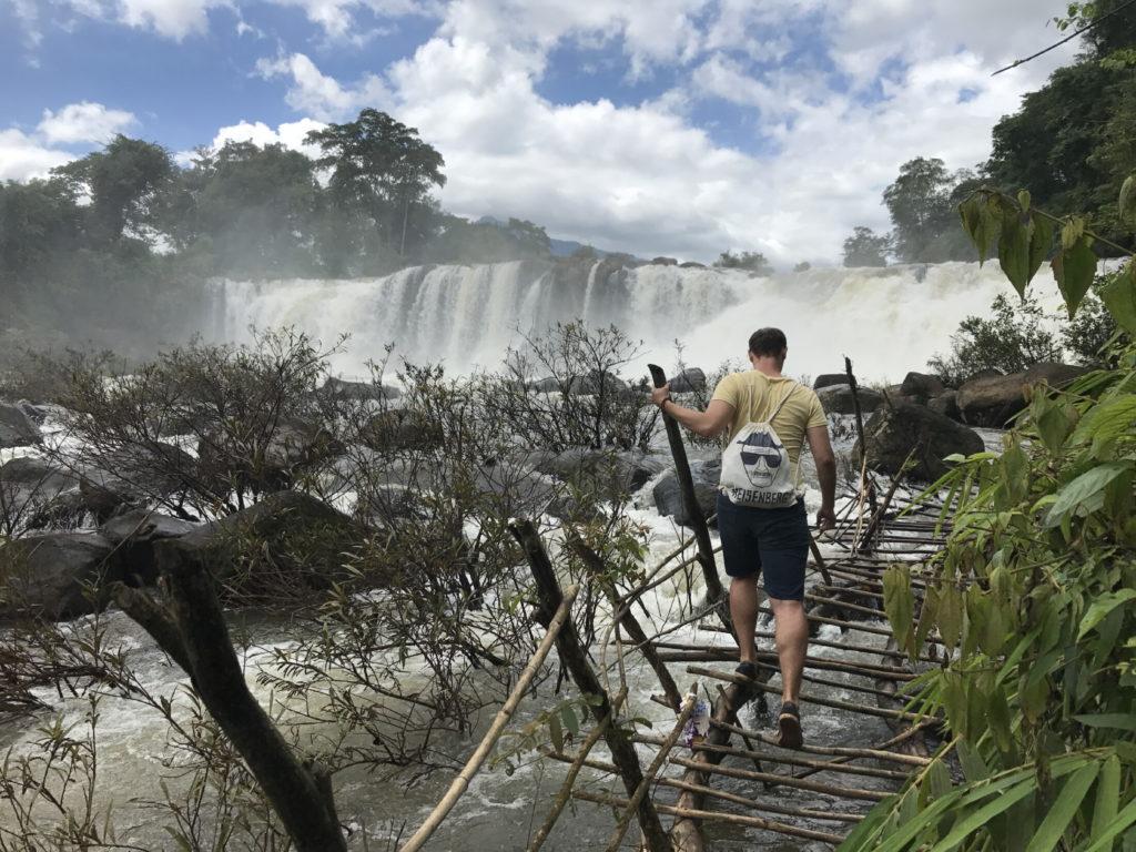 Cestou k Tad Lo vodopádu