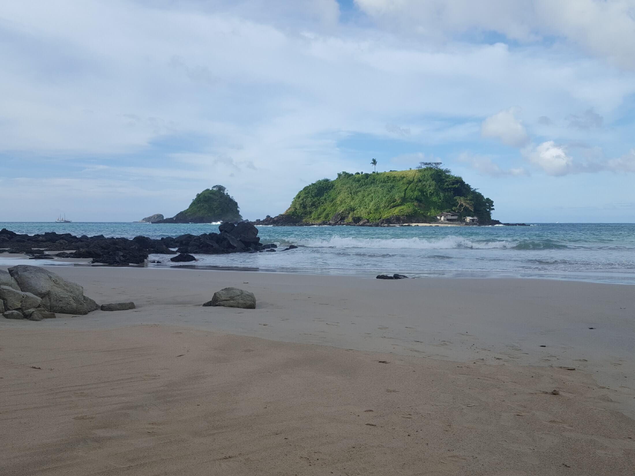 Nacpaan beach